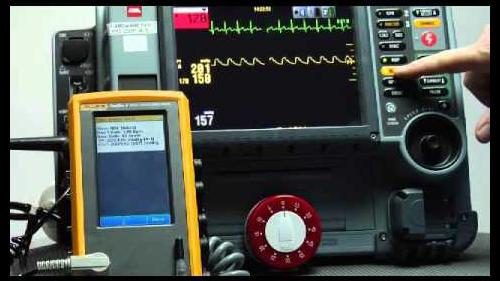 Demonstration of the new ProSim 4 Vital Signs Simulator, troubleshooting patient monitors fast thanks to Fluke's innovation.