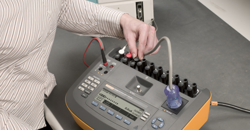 ESA620 Electrical Equipment Safety Analyzer | Fluke Biomedical